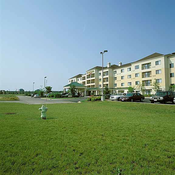 Invisible Structures: Courtyard By Marriott, St. Charles, Michigan