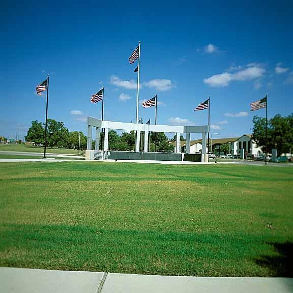 Grass Pavement was installed around the Veterans Memorial using Grasspave2.