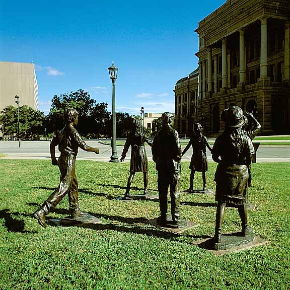 Porous Paving was installed around the sculptures using Grasspave2.