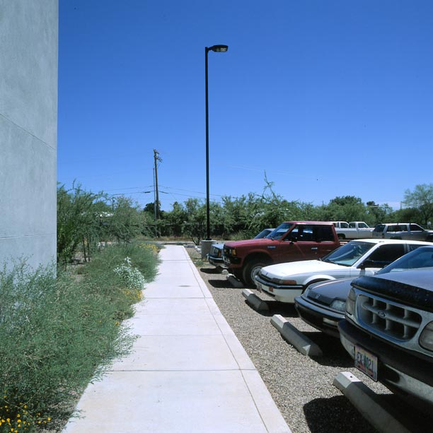Porous pavement was installed on the parking lot at the Nature Conservancy, Tucson, Arizona, using Gravelpave2.