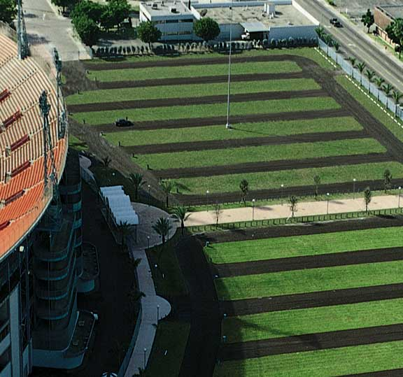Turf reinforcement was installed in the parking areas at Miami Marlins Park, Miami, Florida, using Grasspave2.