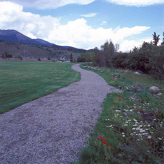 Aggregate Paving preserves storm water under the walkways in a small park of open space in Silverthorne, Colorado, using Gravelpave2.
