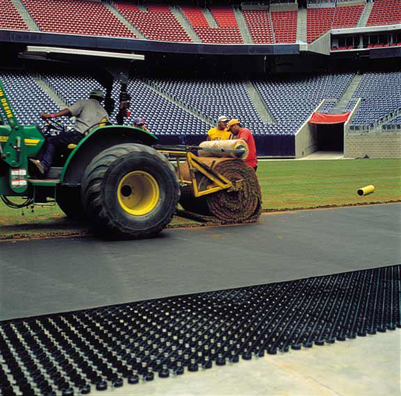 Drainage geocomposite was installed in the Reliant Stadium Temporary Soccer Field, Houston, Texas, using Draincore2.