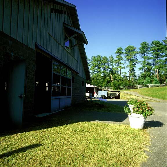Turf Reinforcement was installed for horse-trailer parking at Williamsburg Stables in Williamsburg, Virginia, using Grasspave2.