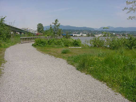 Permeable gravel paving was installed on this trail at Saperton Landing, New Westminster, British Columbia, using Gravelpave2.