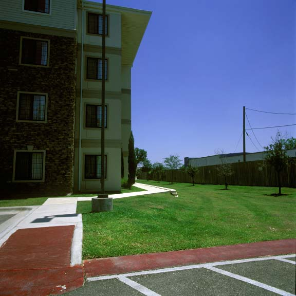 A Grass-Reinforcement System was installed at the Staybridge Suites in Round Rock, Texas, using Grasspave2.
