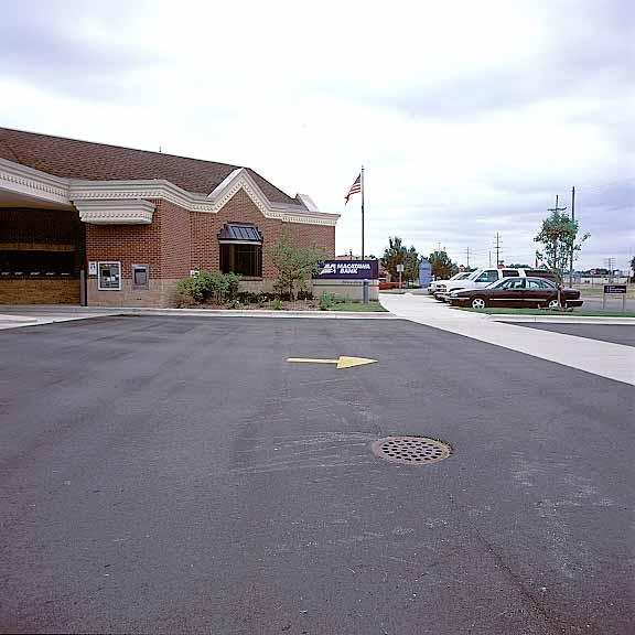 Subsurface-Water-Retention Storage was installed at the Makatawa Bank, Hudsonville, Michigan, using Rainstore3.