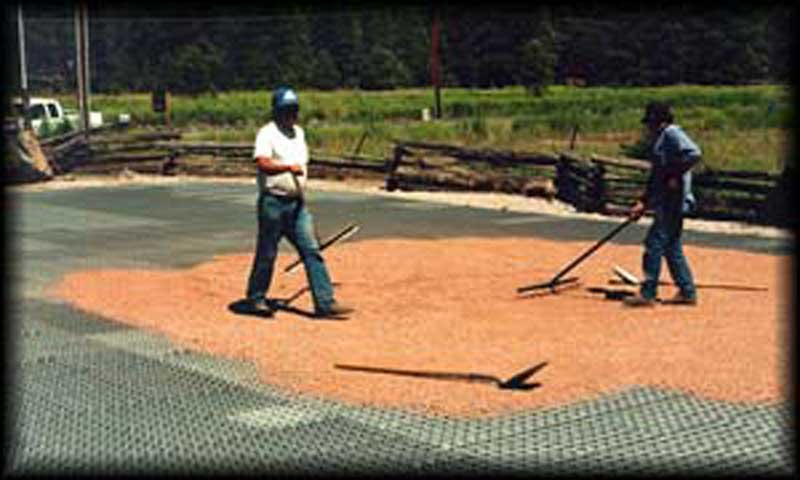 Gravel reinforcement mats were installed in the parking lot at the Grand Canyon Trust in Flagstaff, Arizona, using Gravelpave2.