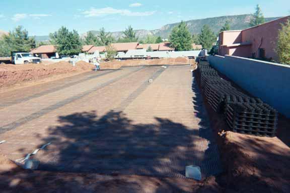 An underground drainage layer was installed at the La Terraza Center (Shopping), Sedona, Arizona, using Rainstore3.
