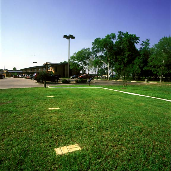 A reinforced grass parking lot was installed at theJ ersey Baptist Church in Houston, Texas, using Grasspave2.