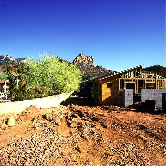 An underground water retention system was installed at the Creekside Resort, Sedona, Arizona, using Rainstore3.