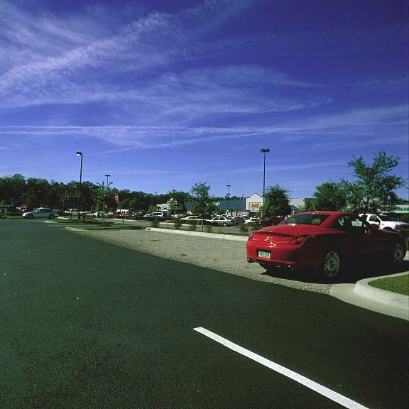 Permeable Paving was installed in the parking area of Ruby Tuesday, Beaufort, South Carolina, using Gravelpave2.