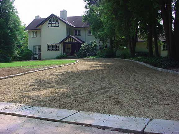 Aggregate Paving was installed in this residential driveway, using Gravelpave2.