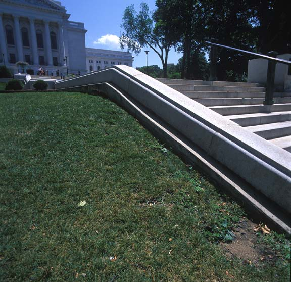 Porous Pavement was installed in high-volumn pedestrian areas at the Wisconsin State Capitol Building, Madison, Wisconsin, using Grasspave2.