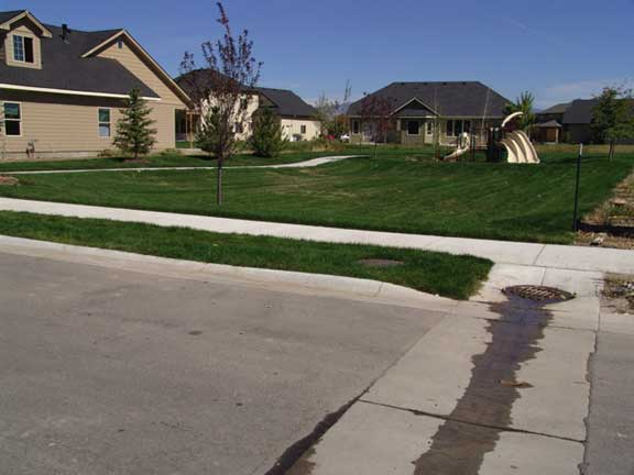 An underground-stormwater-retention system was installed in the Countryside housing complex, Eagle, Idaho, using Rainstore3.