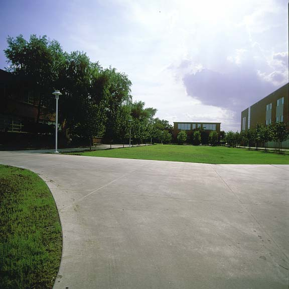 Permeable Paving was installed in the fire lane access areas at Lee College Library and Advanced Technology Center in Baytown, Texas, using Grasspave2.