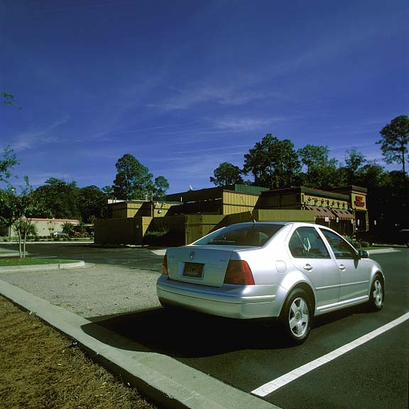 Gravel Paving Mats were installed in the parking area of Ruby Tuesday, Beaufort, South Carolina, using Gravelpave2.
