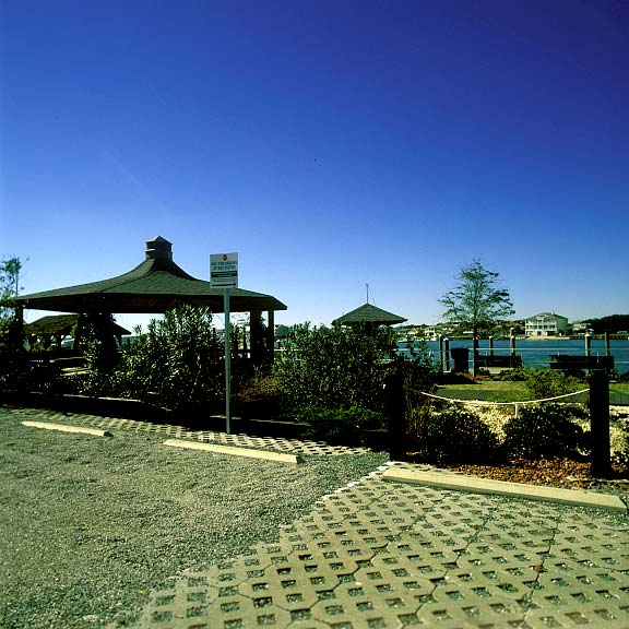 Permeable Parking was installed in the parking areas at Wynn Plaza, Wrightsville Beach, North Carolina, using Gravelpave2.