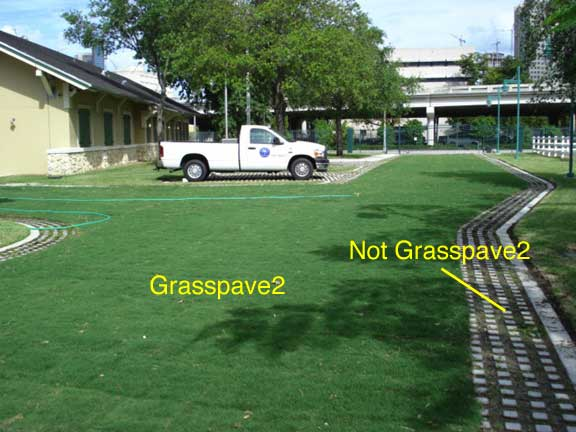 A Reinforced-Grass-Access Lane was installed at Lummus Park, Police Mounted Patrol in Miami, Florida, using Grasspave2.
