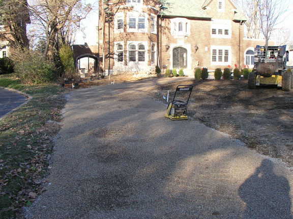 Residential permeable paving driveway