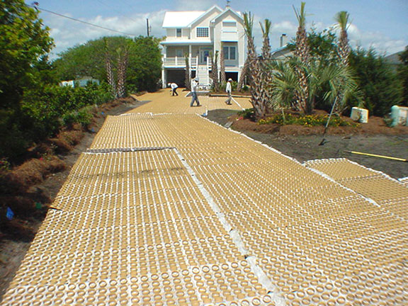 Permeable Gravelpave2 mats in a driveway.