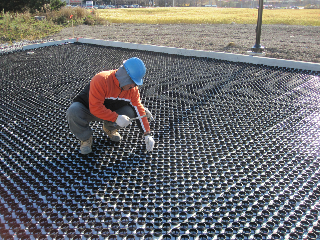 Anchoring the Gravelpave2 permeable pavement