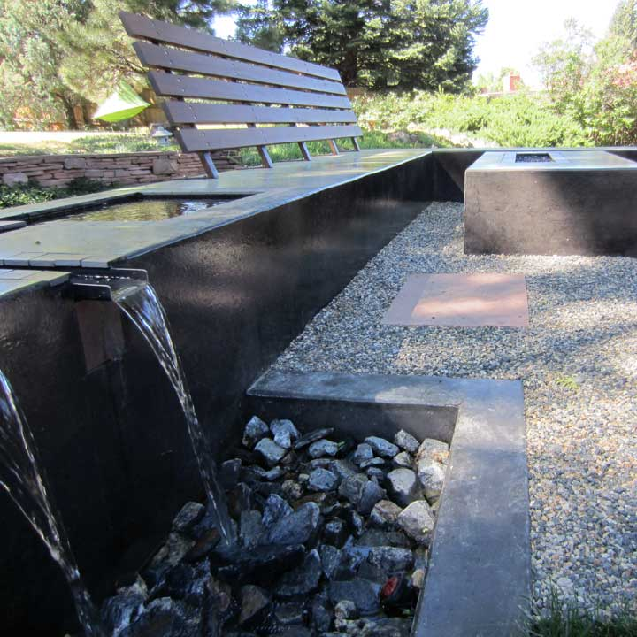 Water Feature with Gravelpave2