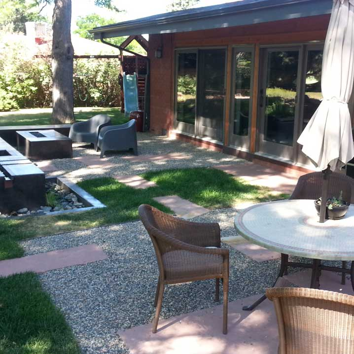 Finished flagstone and Gravelapve2 patio