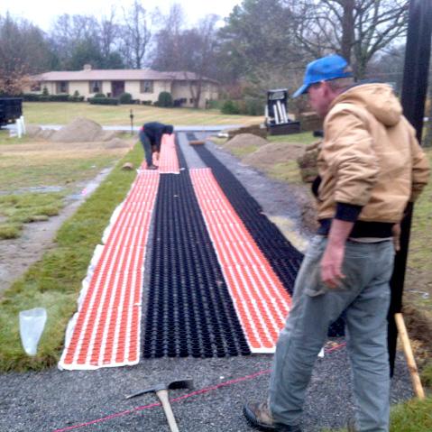 Interlocking ribbon driveway